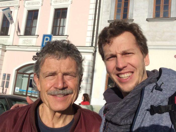 Já s Břéťou na náměstí v Klatovech